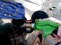 Benzin už levnější nebude, říkají ekonomové